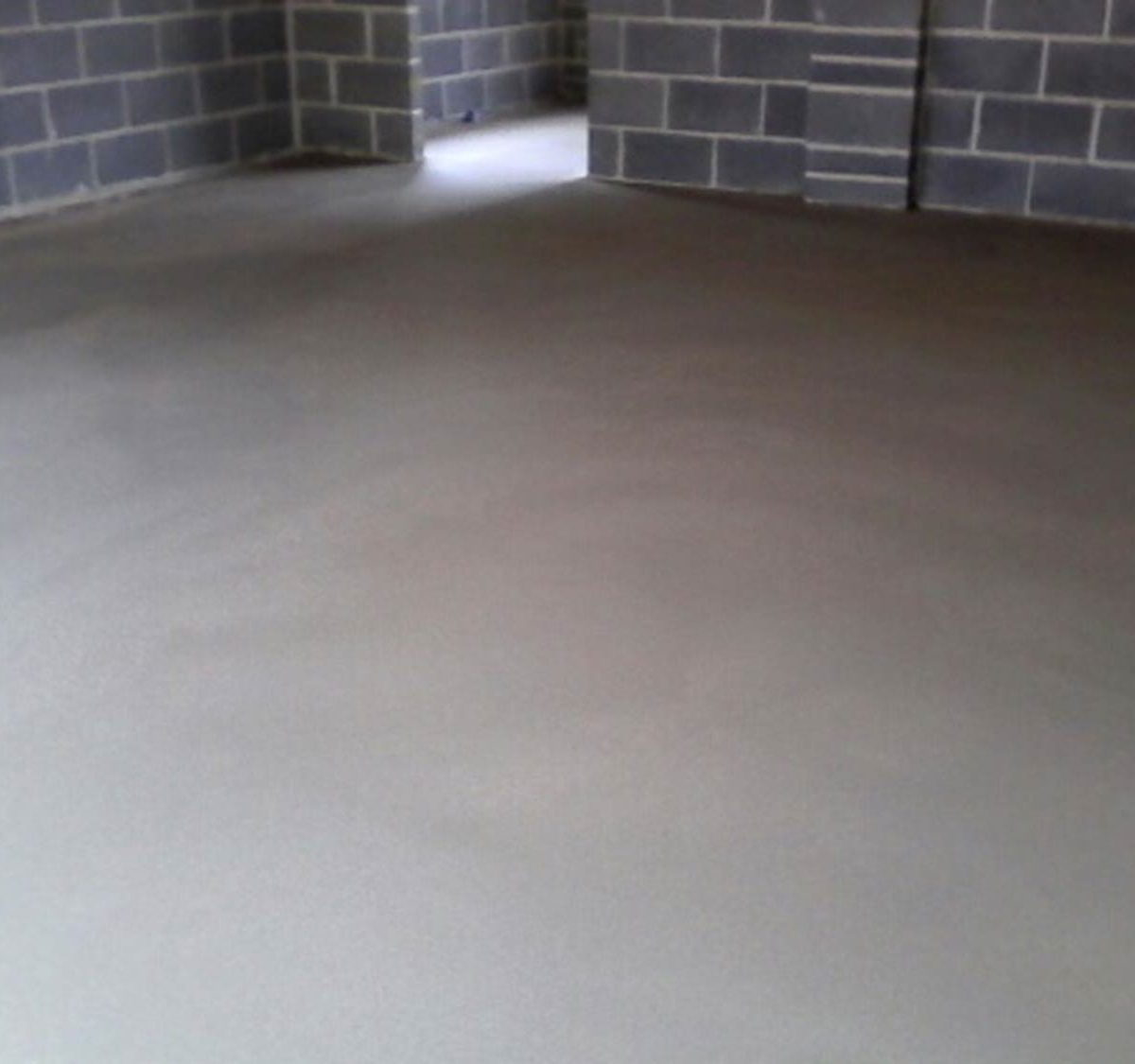 Heavy duty floor screed reinforced with wire mesh for garages view more dailygadgetfo Image collections